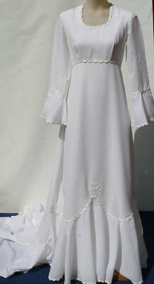 1970s Original Vintage Stunning A Line Wedding Dress with Train Lace Trim Small