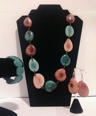 New Pink and turquoise Tagua Necklace,Earrings & Bracelet Set from Ecuador