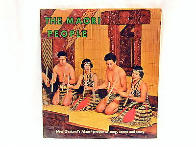 VINTAGE The Maori People - Song, scene and story - with 45 rpm record
