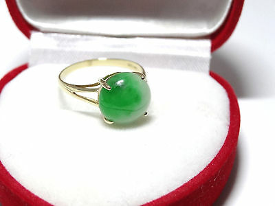 Lovely Round Green Jade Ring in Solid 14k Yellow Gold 4 Prong Setting Size 7.25