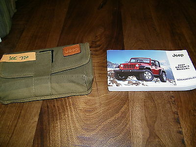 2007 Jeep Wrangler  owners manual with case Jee720