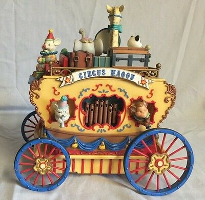 Enesco Circus Peanuts Workin For Peanuts Lighted Action Musical Needs TLC