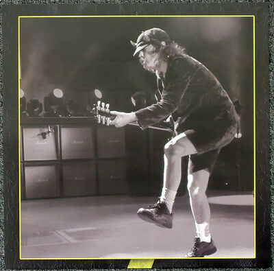 Ac/dc Angus Young Poster Page . 30 X 30 Cm . D