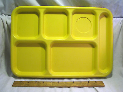 Lot of 4 Cambro BCT1014M School Cafeteria Food Serving Lunch Trays Yellow USA