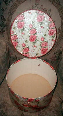 PRETTY Vintage 1940s RED & PINK ROSES HAT BOX w Silver Gilt, Round w Satin Cord