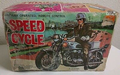 Vintage 1960's Battery Op Remote Controlled #721 POLICE SPEED CYCLE Motorcycle