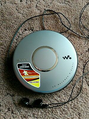 Sony CD Walkman Personal Player - D-EJ011 - Tested and Working