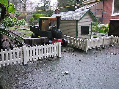 TEN FENCE PANELS 1.2m plus 8FT HINGED GATE. GARDEN RAILWAYS SM32 16mm SCALE
