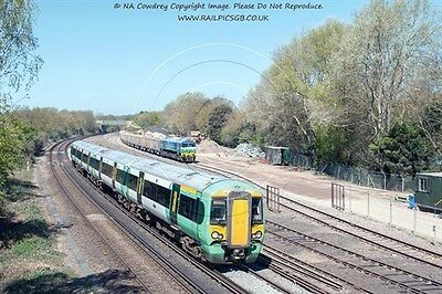 Colour Photo of Southern Class 377 EMU 377412 at Chichester 2015