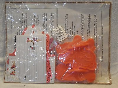 Flintstones 1994 Current Cookie Cutters with Recipe Cards in Original Package