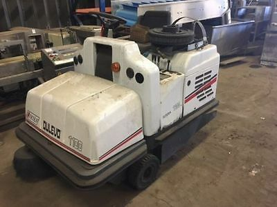 DULEVO 1100 Ride On Sweeper / Scrubber Gas BREAKING FOR SPARES PARTS