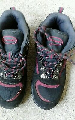 girls mountain life hiking boots size 2
