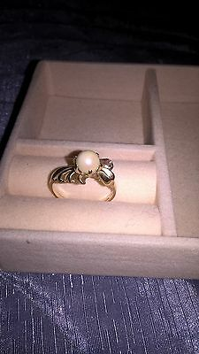 Lovely ladies  9ct Gold & Pearl  Dress Ring size P