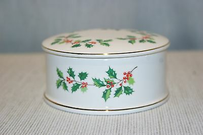 Vintage Sadler England covered Christmas trinket box, Holly.
