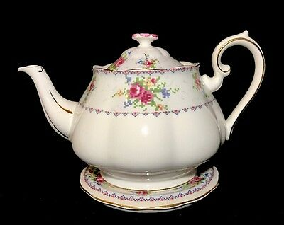 Royal Albert Petit Point Large Teapot With Under Plate Bone China