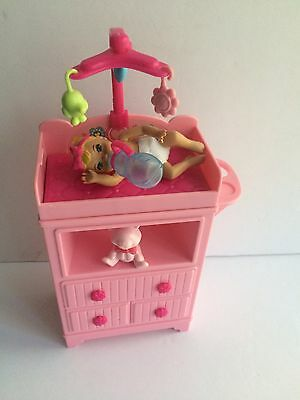 Mattel Barbie baby & Changing Tabble