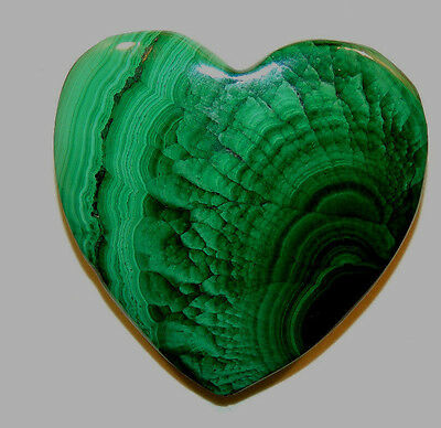 Malachite Heart 31x32mm with 7.5mm thick drilled hole in top (11761)