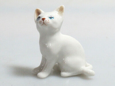 Hand Painted Miniature Collectible Ceramic Porcelain White Siamese Cat FIGURINE