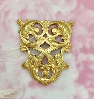 BRASS French Lattice & Scroll Crest Stampings ~ Findings (FA-6073)