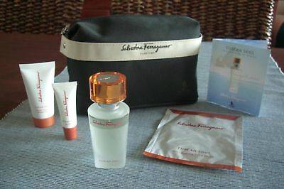 SINGAPORE AIRLINES First Class Amenity Kit Washbag Trousse Neceser Kulturbeutel