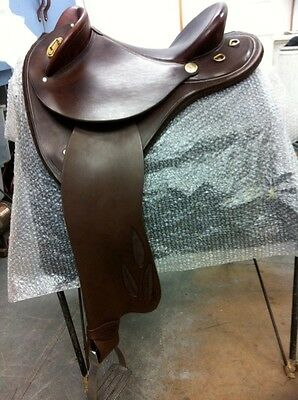 """17"""" Half Breed Leather Saddle 17'' With Acessories"""