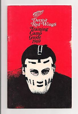 1969 Detroit Red Wings NHL Training Camp Media Guide w/ 1969-70 Schedule G HOWE