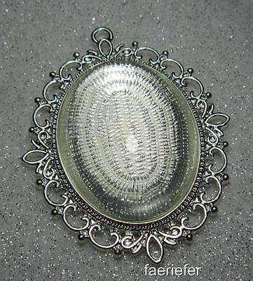 Large picture setting oval pendant frame + glass dome 30 x 40 mm bright silver