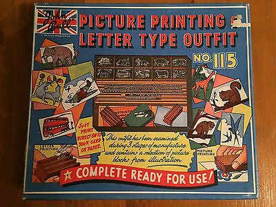 Vintage Printing Letter Type Outfit