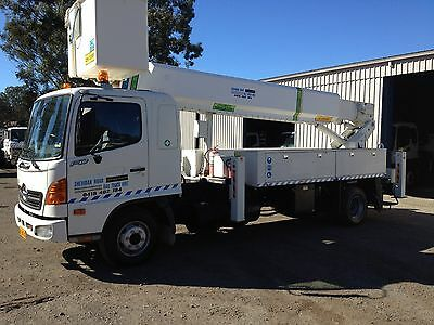 Insulated 15m Cherry Picker on Hino Truck with Very low Kms