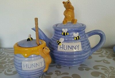 Winnie the pooh classic ceramic Hunny teapot & honey jar set collecter