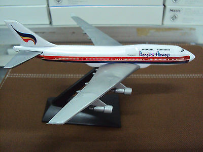NEW BANGKOK AIRWAYS BOEING 747-400 Plane Model Scale 1/530