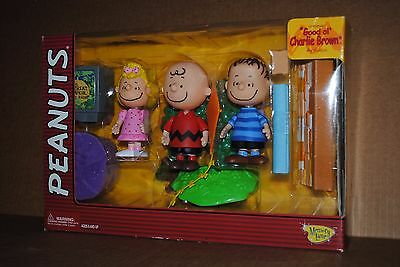 "New Peanuts ""good Ol Charlie Brown"" Linus Sally Memory Lane Doll Figures Toy Set"