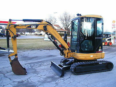 2005 Cat 303Cr Mini Excavator / Cab / Heat  Nationwide Shipping Available!!!