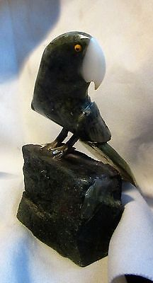 GEM STONE  PARROT BIRD CARVING HANDCRAFTED approx 15 oz