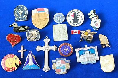 LOT OF 20 RARE VINTAGE PINS AND PENDANTS c1970-2000s