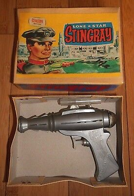 VINTAGE LONE STAR STINGRAY SPACE RANGER WATER PISTOL GERRY ANDERSON RARE 1960's