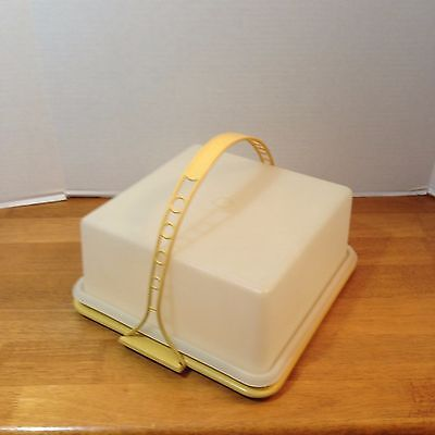 Vtg Tupperware Square Cake Taker Harvest Gold #1241 w Sheer Lid #1242 & Handle