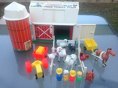 VTG Fisher Price Play Family Farm #915 BARN & SILO 100% COMPLETE & + Very good!