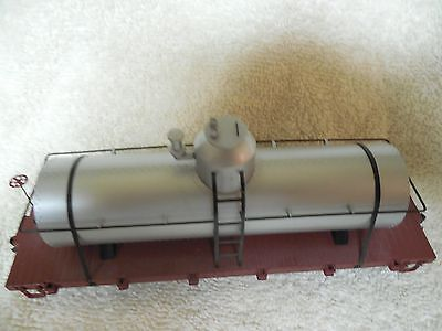 SPECTRUM On30 -TANK CAR- SILVER - PAINTED AND UNLETTERED ITEM  # 27198