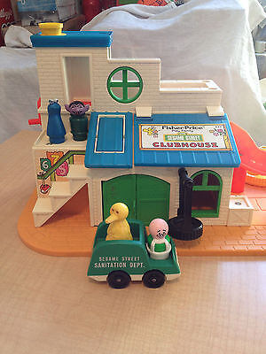 Vintage 1976 FISHER PRICE SESAME STREET CLUBHOUSE 937 + EXTRAS