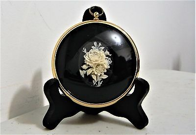 Peter Bates England Roses In Cameo Wall Plaque W/ Stand Excellent