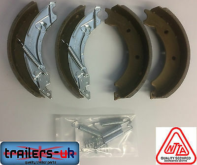 Knott Type Brake Shoe Set 200 x 50 for Ifor Williams & Others ** FREE P&P**