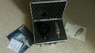 Akg microphone c3000b stand and case