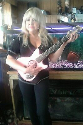 """First Act 31"""" Childs Discovery 6 String PINK Electric Guitar  GIRLS RIGHT HANDED"""