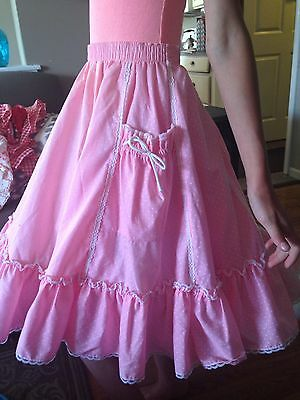 VINTAGE PARTNERS PLEASE PINK w/WHITE DOTS SQUARE DANCE SKIRT SZ M