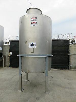 1100 gallon stainless steel tank