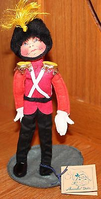 "Annalee 10"" Toy Soldier - British Guard #7560 Dated 1988 With Frown"