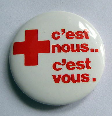 Canadian Red Cross French Advertising Pinback Button