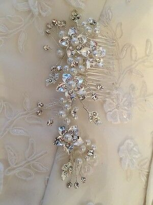 Diamanté Flower Ivory Pearl Wedding Bridal Hair Comb Accessories