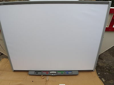 Smartboard  SB680 interactive board with pens and board holder